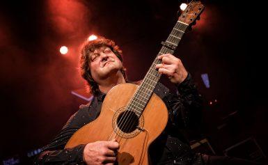 Flamencogitarist Eric Vaarzon Morel eert de legendarische Paco de Lucía