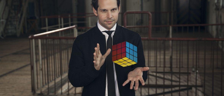 Illusionist Victor Mids opent brainsweek Kids First