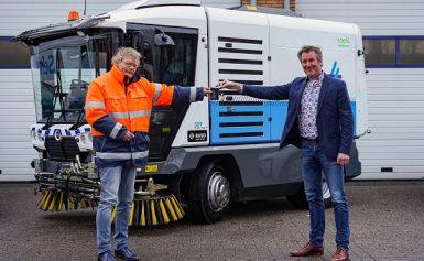 Assen neemt eerste elektrische veegmachine in gebruik