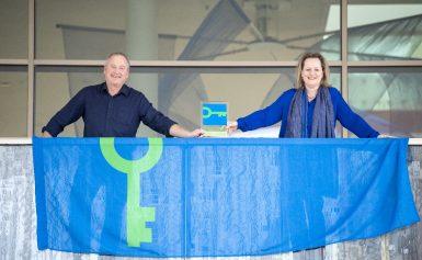 DNK ontvangt als eerste bibliotheek, bioscoop én theater in Drenthe het duurzaamheidskeurmerk Green Key