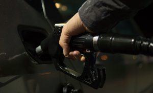 Nederlands wegverkeer gaf 1,8 miljard minder uit aan benzine in 2020